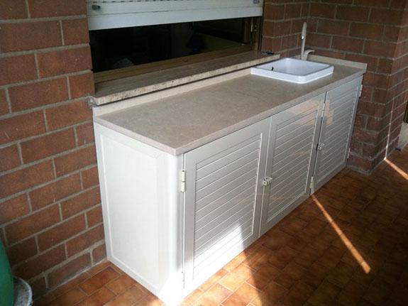 Lavandini da esterno con mobiletto termosifoni in ghisa - Lavatrice per esterno ...
