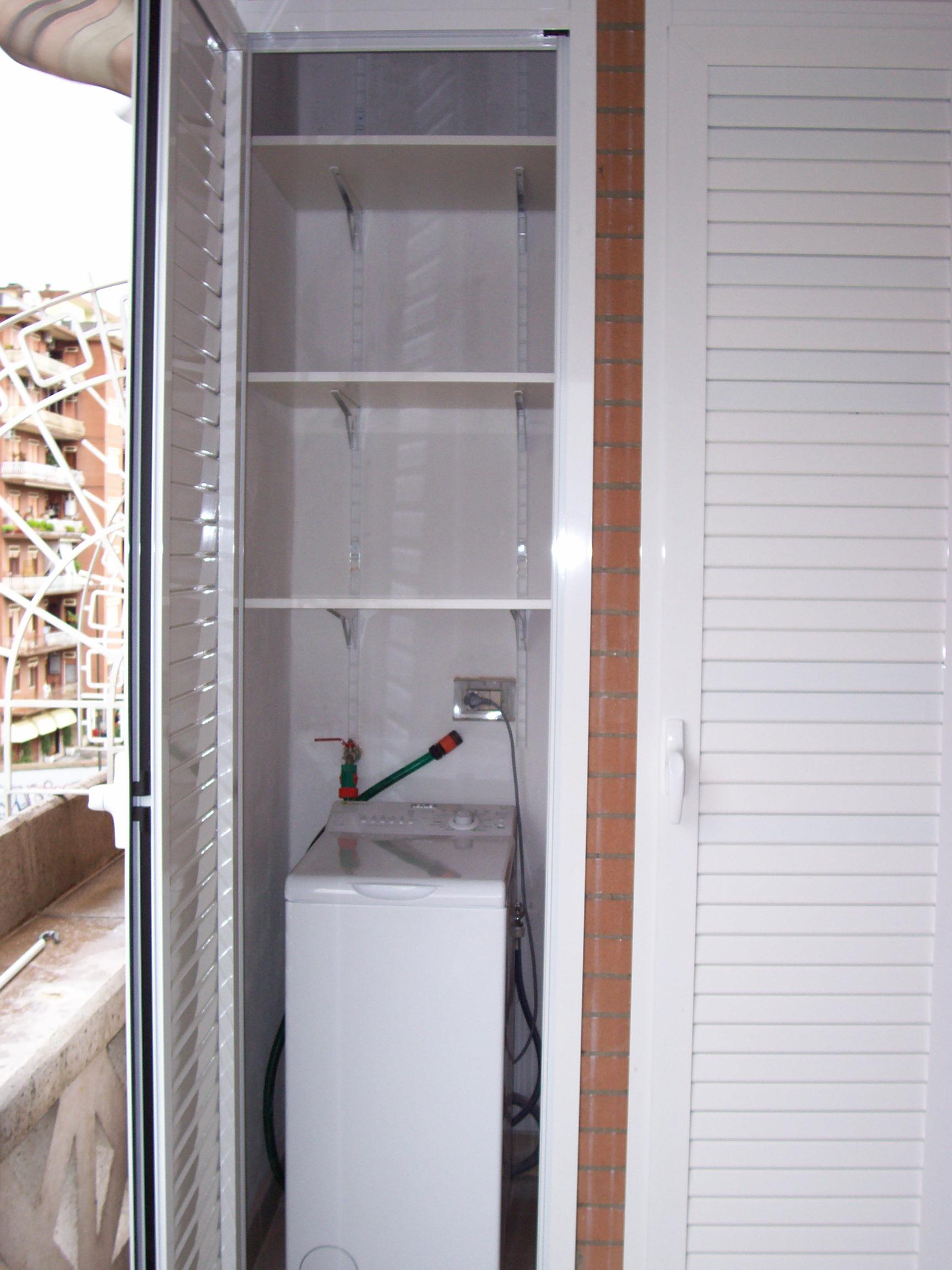 Armadio terrazzo armadio da lavanderia in metallo ettore for Armadi design online