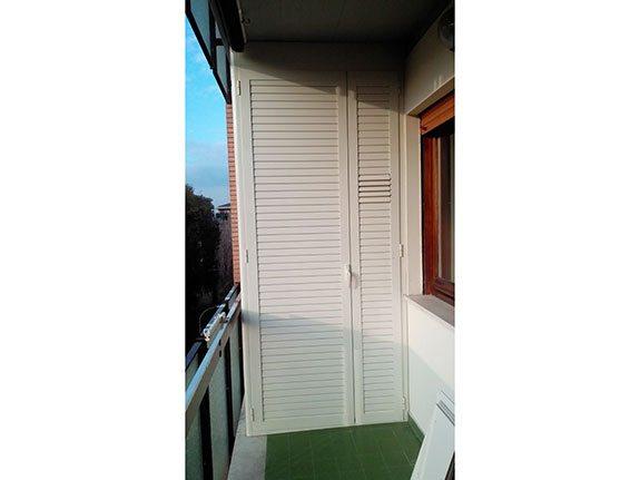 Porte per ripostiglio esterno raccordi tubi innocenti - Ripostiglio per terrazzo ...
