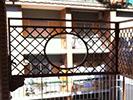 Fotografia di un grigliato con affaccio a oblò
