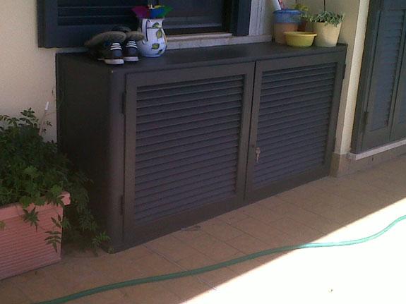 Mobili coprimotore esterno dei condizionatori alfa for Mobili terrazzo